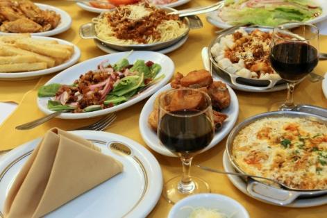 a-mesa-do-restaurante-madalosso-em-santa-felicidade-curitiba-risoto-massas-saladas-e-carnes-sao-servidos-a-vontade-1387308444160_750x500