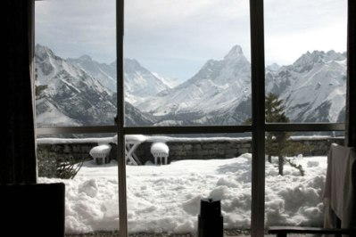 everest-view-from-room