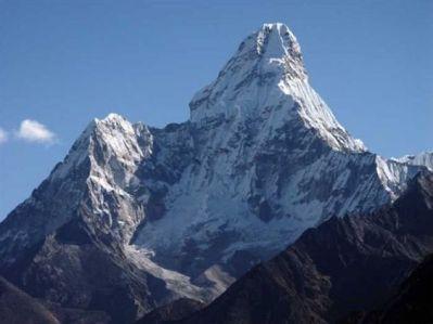 Monte.-Ama-Dablam-6.856-msnm.