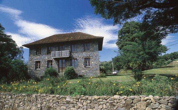 Foto sem data Casa de Pedra, no roteiro rural Caminhos de Pedra.
