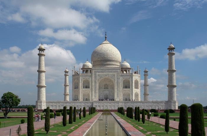 Taj_Mahal,_Agra,_India_edit2